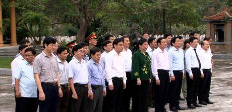 Pho Chu tich QH Tong Thi Phong tham va lam viec tai Nghe An - Anh 1