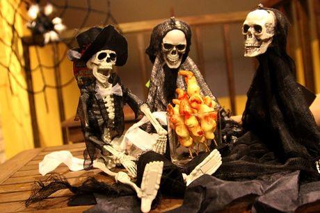Do an tao hinh kinh di dip Halloween o TP.HCM - Anh 6