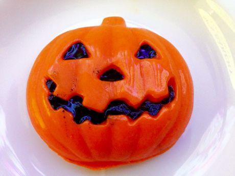 Do an tao hinh kinh di dip Halloween o TP.HCM - Anh 9