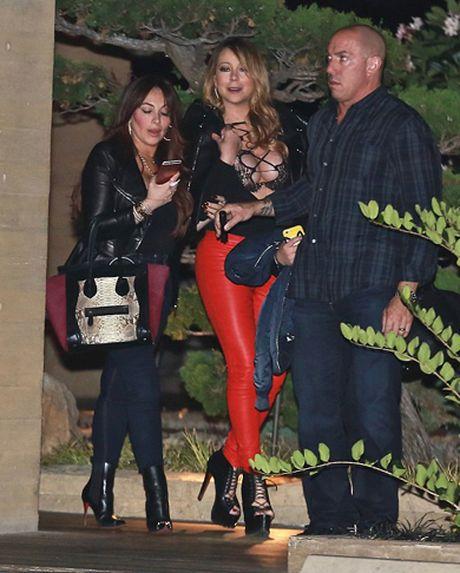 Trum casino phai tra tinh phi 50 trieu USD cho Mariah Carey? - Anh 2