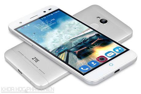 Tren tay smartphone selfie vua len ke voi gia 3,69 trieu dong - Anh 17