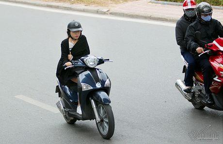 Chom lanh, nguoi Ha Noi da khoac ao am ra pho - Anh 10