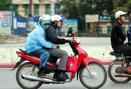 Chom lanh, nguoi Ha Noi da khoac ao am ra pho - Anh 5