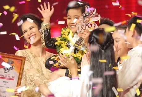 Nhat Minh dang quang quan quan Giong hat Viet nhi 2016 - Anh 1