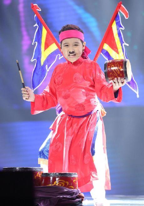 Nhat Minh dang quang quan quan Giong hat Viet nhi 2016 - Anh 2