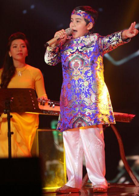 Nhat Minh dang quang quan quan Giong hat Viet nhi 2016 - Anh 4