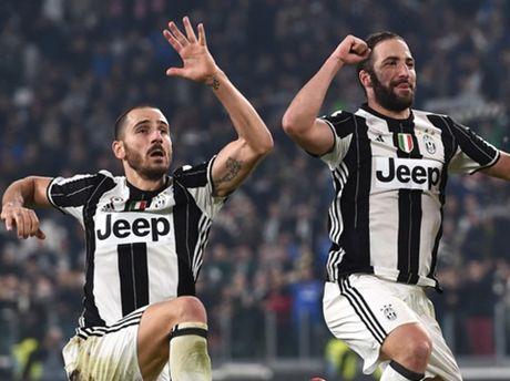 Juventus 2-1 Napoli: Higuain '90 trieu' khang dinh gia tri nhung Juve rat 'nho'... Pogba - Anh 1