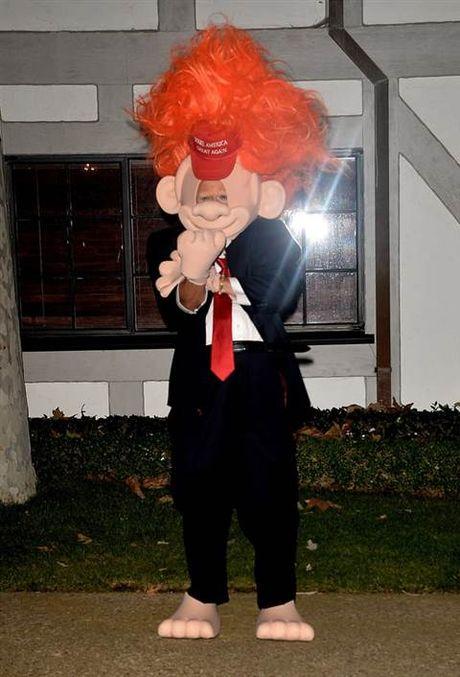 Halloween: Mariah Carey 'thanh' ac quy, Katy Perry 'hoa' Hillary Clinton - Anh 10