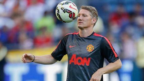 Schweinsteiger bi cam da cho ca doi du bi Man United - Anh 1