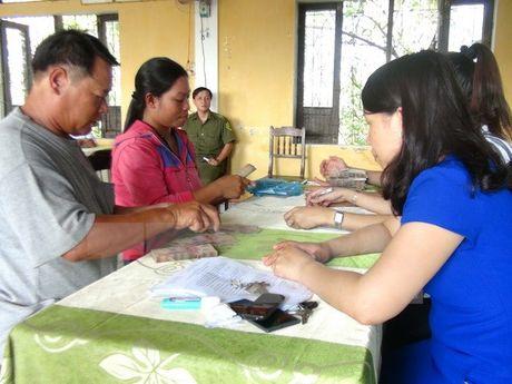 Thua Thien-Hue da chi tra tien boi thuong cho ngu dan 20/29 xa - Anh 1