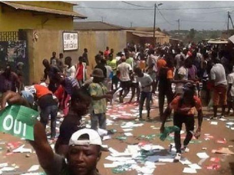 Cote d'Ivoire: Bao luc can tro trung cau y dan ve Hien phap moi - Anh 1