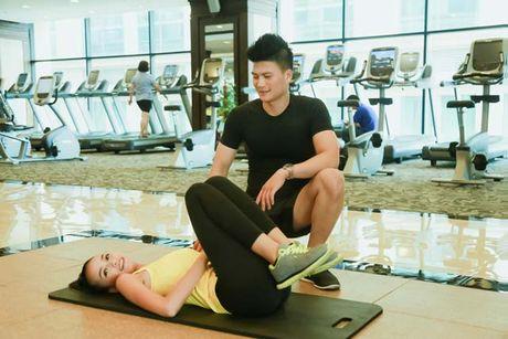 Ngam chan dai Ngoc Chau goi cam tap gym - Anh 18