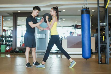 Ngam chan dai Ngoc Chau goi cam tap gym - Anh 3