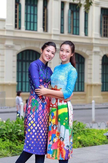 HH Ngoc Han, My Linh ra pho nhay flashmob cuc sung - Anh 10