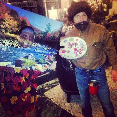 Cung cac cap doi hai huoc buoc ra duong don Halloween - Anh 8