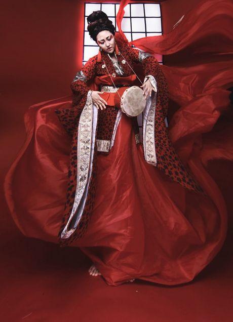 Sao Viet hoa trang Halloween rung ron doa fan dung tim - Anh 3