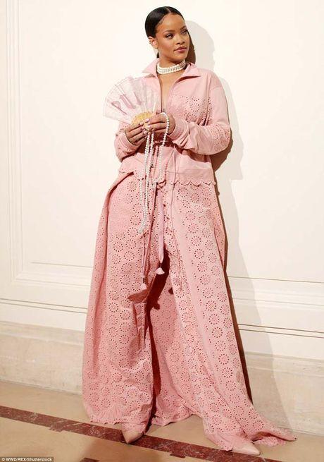 20 bo trang phuc dinh cao cua Rihanna - Anh 20