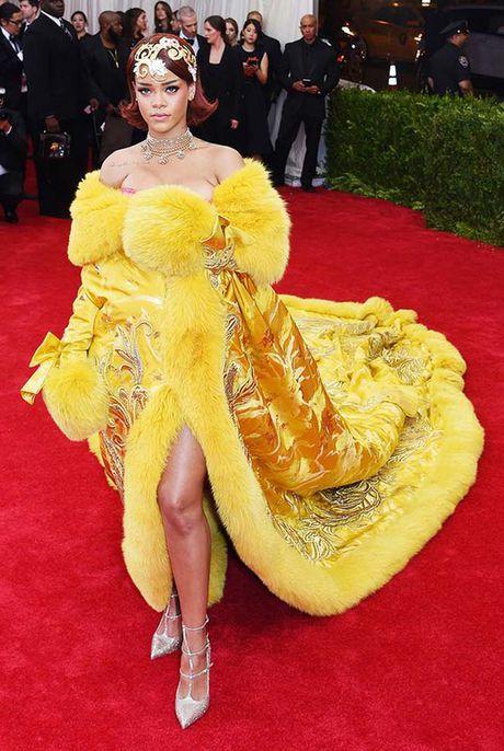 20 bo trang phuc dinh cao cua Rihanna - Anh 2
