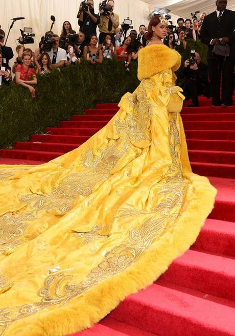 20 bo trang phuc dinh cao cua Rihanna - Anh 3