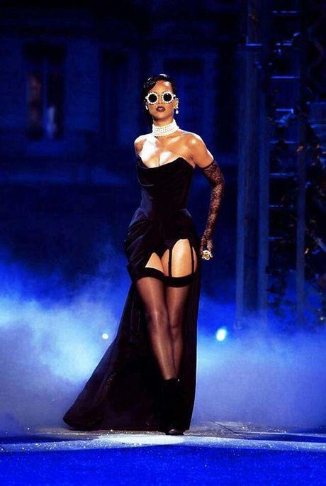 20 bo trang phuc dinh cao cua Rihanna - Anh 4