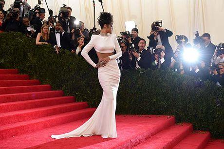 20 bo trang phuc dinh cao cua Rihanna - Anh 6