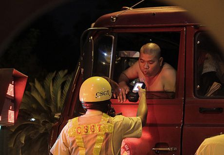 TP.HCM: Manh tay xu ly 'ma men' 2 thang cuoi nam - Anh 1