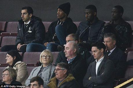 Dien bien phuc tap quan he giua Henrikh Mkhitaryan va Jose Mourinho - Anh 1