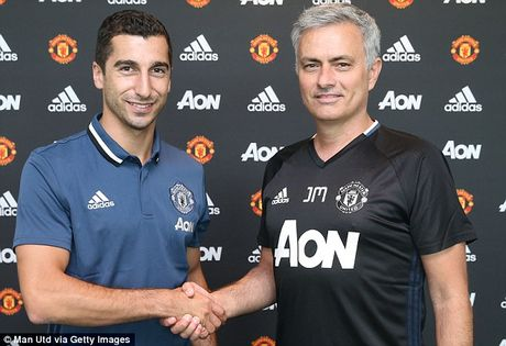 Dien bien phuc tap quan he giua Henrikh Mkhitaryan va Jose Mourinho - Anh 2