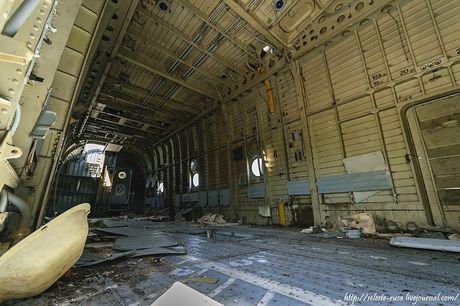 Xot xa dan truc thang khong lo Mi-26 bi vut chong cho - Anh 11