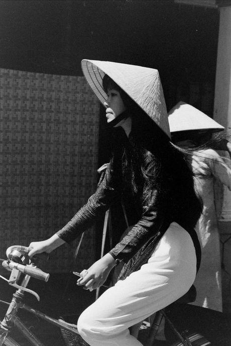 Xu Hue nam 1965 net cang trong anh cua Bill Eppridge - Anh 11