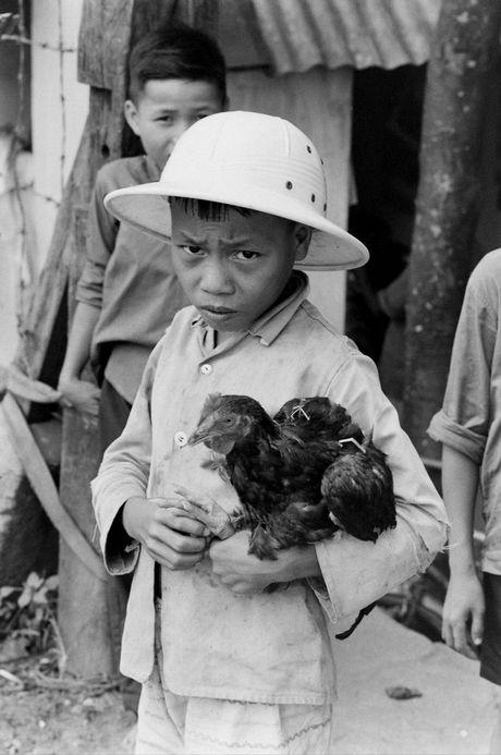 Xu Hue nam 1965 net cang trong anh cua Bill Eppridge - Anh 3