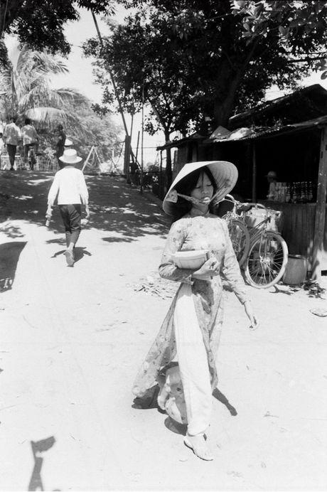 Xu Hue nam 1965 net cang trong anh cua Bill Eppridge - Anh 9