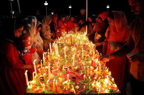 Tung bung le hoi Diwali o An Do qua anh - Anh 5