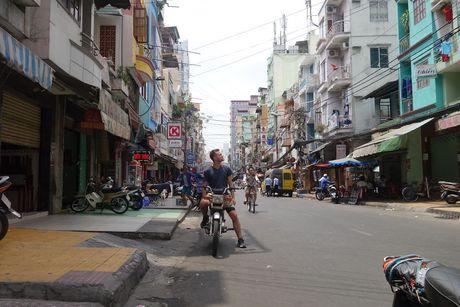 Chang Tay phuot khap cac neo duong dat Viet bang xe may - Anh 4