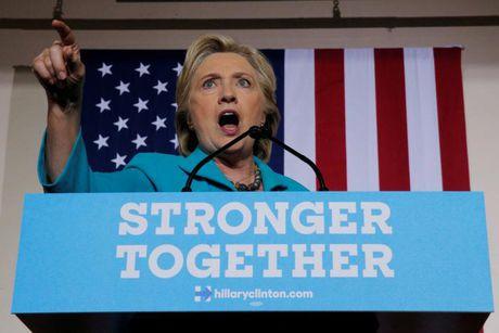 Clinton thach thuc giam doc FBI - Anh 1