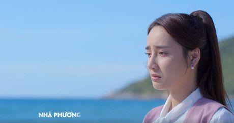 "Khan gia so Nha Phuong bi ""nguoc dai"" trong Tuoi thanh xuan 2 - Anh 1"