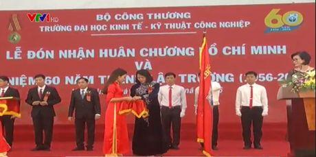 DH Kinh te ky thuat Cong nghiep don nhan Huan chuong Ho Chi Minh - Anh 1
