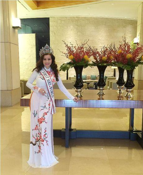 Hoa hau Kim Hong duoc chao don nong nhiet tai Mrs. World 2016 - Anh 3