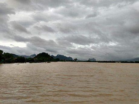 Nguy co lu chong len lu tai Ha Tinh va Quang Binh - Anh 7