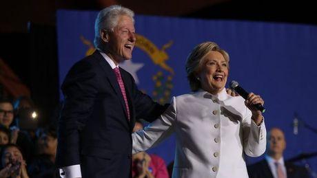 Danh xung chinh thuc cua Bill Clinton neu ba Hillary la Tong thong? - Anh 1