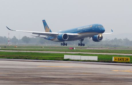 Vietnam Airlines don nhan may bay Airbus A350 thu 5 - Anh 1