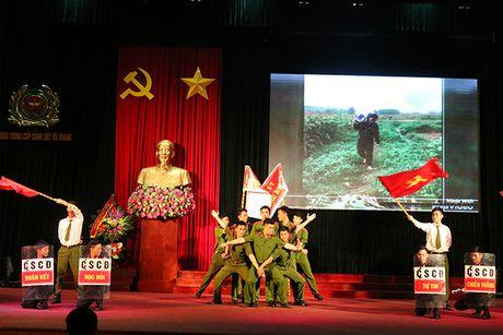Trao giai Hoi thi tim hieu Nghi quyet Dai hoi Dang lan thu XII - Anh 2