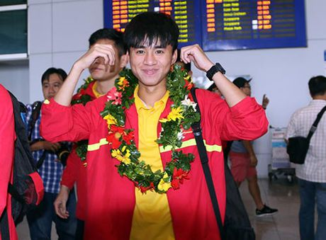 "U19 Viet Nam voi ky tich World Cup ""dai nao"" Tan Son Nhat - Anh 3"