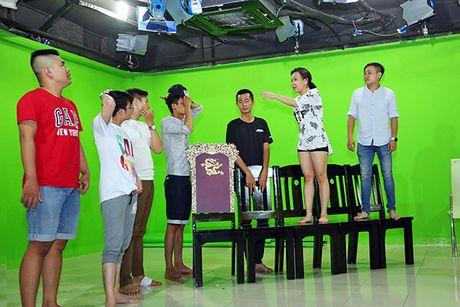 Viet Huong gan nhu kiet suc cho liveshow mien phi - Anh 2
