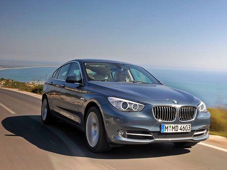 BMW trieu hoi hon 150.000 xe loi ro ri nhien lieu - Anh 1