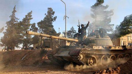 Video chien su Syria: Giao tranh du doi tren khap Aleppo - Anh 1