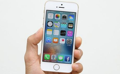 iPhone SE giam gia soc 3 trieu dong don iPhone 7 - Anh 1
