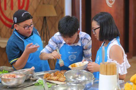Gap su co, Gia Huy nuc no roi khoi Master chef nhi - Anh 1