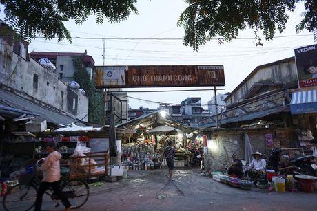 Nhung tam bien cho 'tang hinh' o Ha Noi - Anh 1