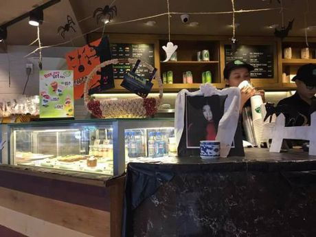 Halloween: Fan phan no khi quan ca phe lon o Sai Gon 'lap ban tho' Lam Tam Nhu - Anh 2